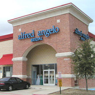 WindStar Completes Lease with Alfred Angelo